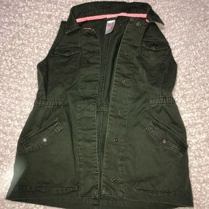 Girls Cat & Jack Olive Field Vest Size 7/8